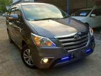 Toyota Kijang Innova 2.0 V 2015 abu-abu