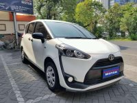 Jual Toyota Sienta 1.5 E Manual 2017