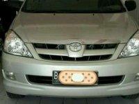 2004 Toyota Innova dijual