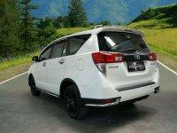 Butuh uang jual cepat Toyota Innova Venturer 2017