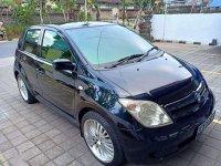 Butuh uang jual cepat Toyota IST 2004