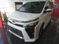 Jual Toyota Voxy 2018 harga baik