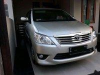 Butuh uang jual cepat Toyota Innova 2012