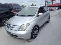 Butuh uang jual cepat Toyota IST 2003