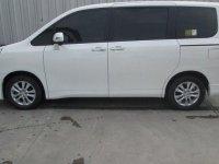 Jual Toyota NAV1 V Limited harga baik