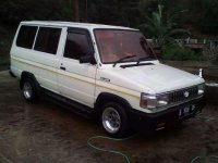 Toyota Kijang 1990 bebas kecelakaan