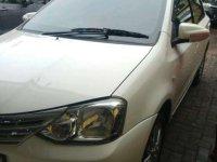 Toyota Etios Valco E bebas kecelakaan