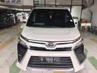 Jual Toyota Voxy 2017 harga baik