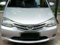 Butuh uang jual cepat Toyota Etios 2014
