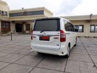 Butuh uang jual cepat Toyota NAV1 2016