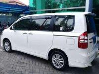 Toyota NAV1 2015 dijual cepat