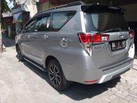 Toyota Kijang Innova V bebas kecelakaan