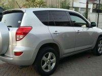 Butuh uang jual cepat Toyota RAV4 2006