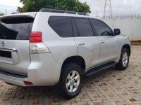 Butuh uang jual cepat Toyota Land Cruiser Prado 2010