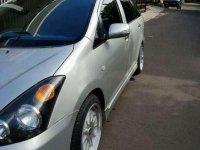 Butuh uang jual cepat Toyota Wish 2003