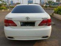 Butuh uang jual cepat Toyota Crown 2010