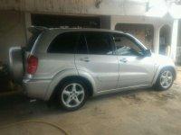 Butuh uang jual cepat Toyota RAV4 2001