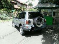 Toyota RAV4 2000 bebas kecelakaan