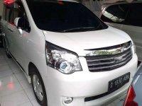 Toyota NAV1 2013 dijual cepat