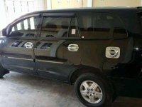 Jual Toyota Kijang Innova 2011 Manual