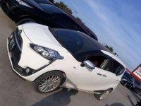 Butuh uang jual cepat Toyota Sienta 2017