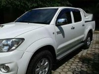 Toyota Hilux 2010 dijual cepat