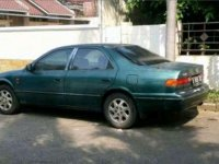 Toyota Camry 2001 dijual cepat