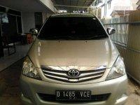 Jual Toyota Kijang Innova 2010 Manual