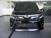 Butuh uang jual cepat Toyota Voxy 2019