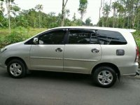 Toyota Kijang Innova 2008 bebas kecelakaan