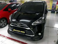 Toyota Sienta Q dijual cepat