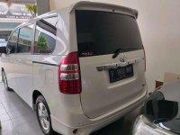 Toyota NAV1 V bebas kecelakaan