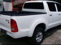 Butuh uang jual cepat Toyota Hilux 2011