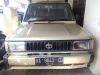 Butuh uang jual cepat Toyota Kijang 1992