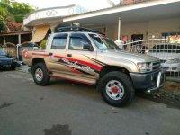 Butuh uang jual cepat Toyota Hilux 2001