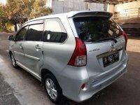 Butuh uang jual cepat Toyota Veloz 2015