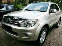 Jual Toyota Fortuner 2010 Automatic