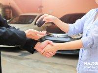 Mana Lebih Baik? Menjual Mobil ke Diler Mobil Bekas atau ke Konsumen Langsung