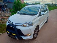 Toyota Veloz  dijual cepat