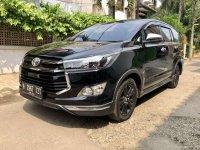 Butuh uang jual cepat Toyota Venturer 2018