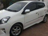 Butuh uang jual cepat Toyota Agya 2016