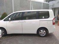 Butuh uang jual cepat Toyota NAV1 2014