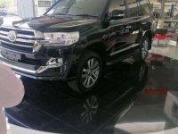 Butuh uang jual cepat Toyota Land Cruiser 2019