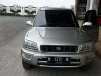 Butuh uang jual cepat Toyota RAV4 2000