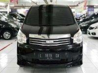 Toyota NAV1 G bebas kecelakaan