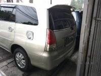 Butuh uang jual cepat Toyota Kijang Innova 2009