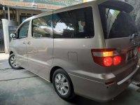 Toyota Alphard 2005 bebas kecelakaan
