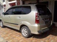 Toyota Avanza 2004 dijual cepat
