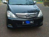 Butuh uang jual cepat Toyota Kijang Innova 2010