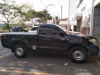 Butuh uang jual cepat Toyota Hilux 2010
